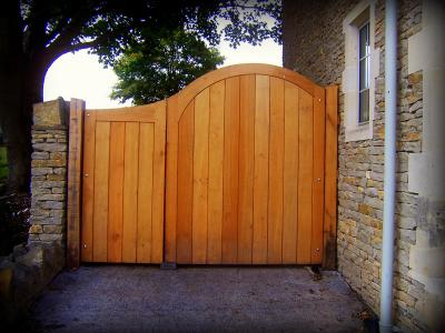 oak curved top gates