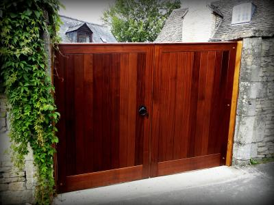 sapele boarded gates